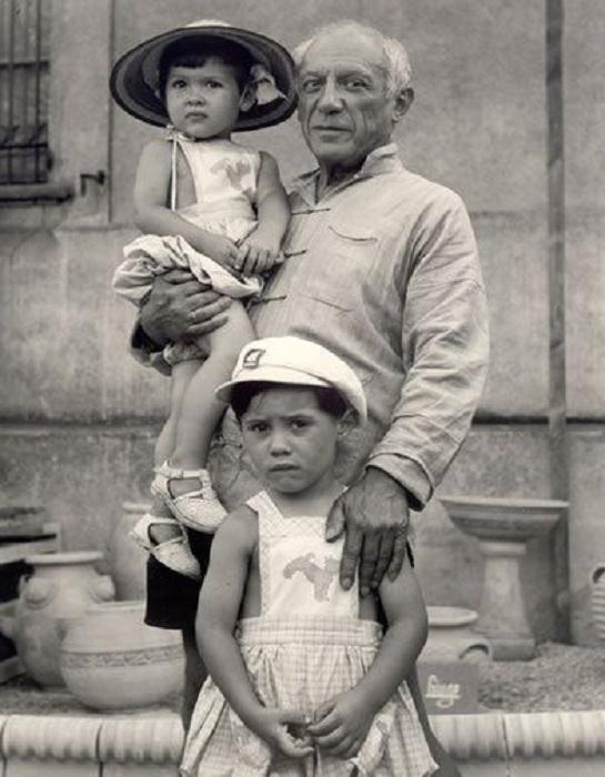 Пикассо с детьми.