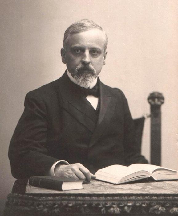 Генрик Сенкевич - польский писатель, Нобелевский лауреат.