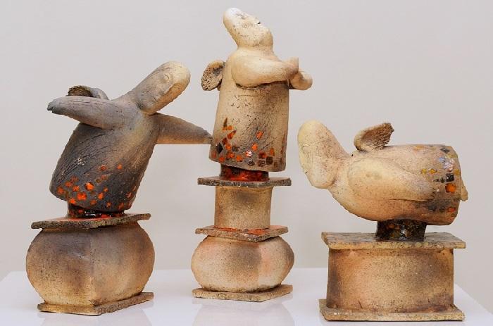 Ангелы 2012г шамот, глазурь. Автор: Анатолий Концуб.