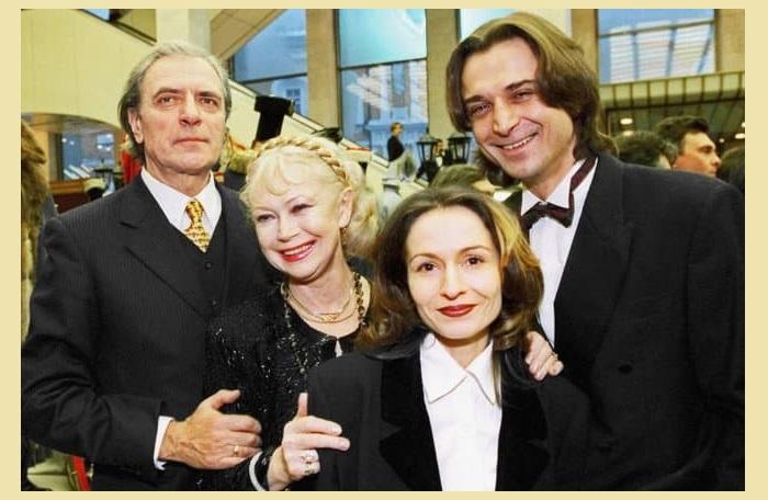 Алина, Александр и Светлана Немоляева, Александр Лазарев-старший.