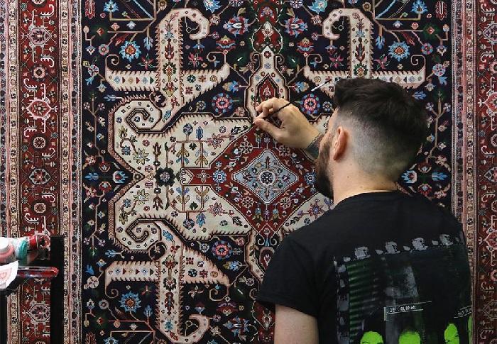 Персидские ковры на живописных полотнах от Джейсона Сейфи.