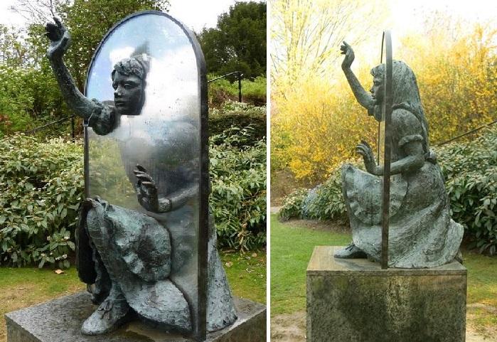 «Алиса в Зазеркалье». Гилфорд. Великобритания. Автор: американский скульптор - Джинна Арджент.