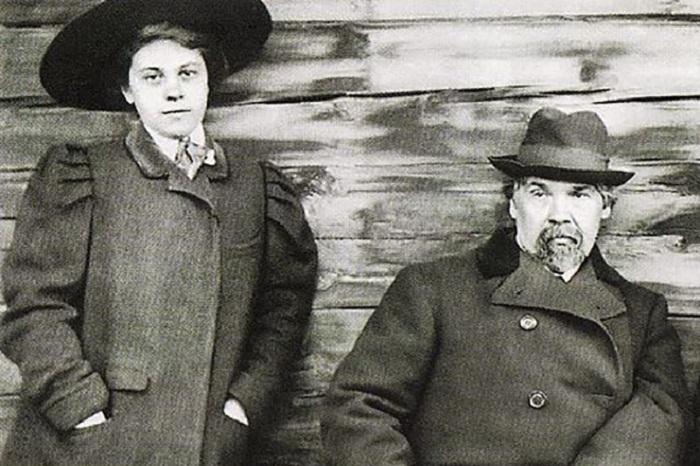 Васиий Суриков с дочерью Ольгой.