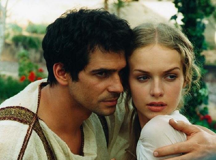 Павел Делонг и Магдалена Мельцаж в кинодраме «Камо грядеши» (2001).