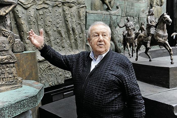 Зураб Церетели - русский сульптор.