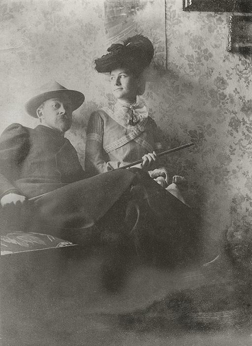 «Идем гулять». Борис Кустодиев c женой Юлией. 1903 год. Неизвестный автор.