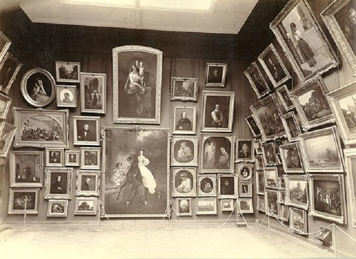 Экспозиция Городской художественной галереи П.М. и С.М.Третьяковых. 1898 год
