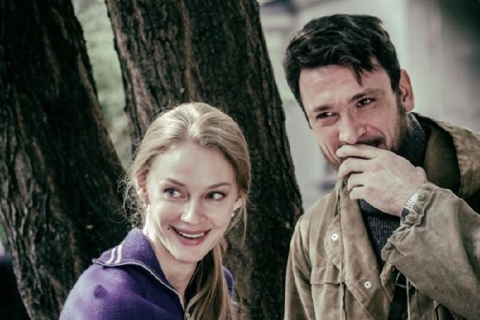Светлана Ходченкова и Антон Хабаров во время съемок сериала «Казанова». | Фото: vokrug.tv.