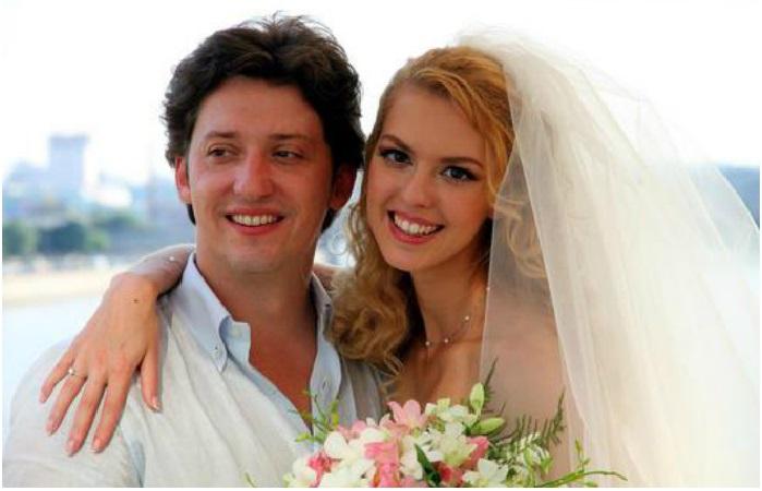 Свадьба. Молодожены Лянка Грыу и Михаил Вайнберг.