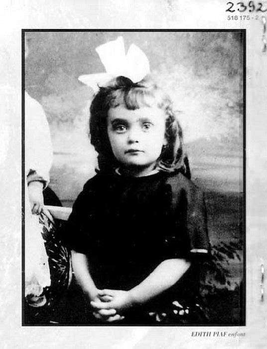Эдит в детстве. / Фото: Getty Images.