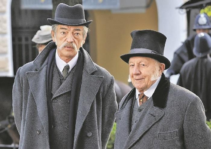 Кадр из кинофильма «Шерлок Холмс» («Любовницы лорда Маулбрея»).