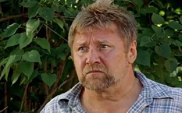 Кадр из фильма «Заколдованный участок». (2006).