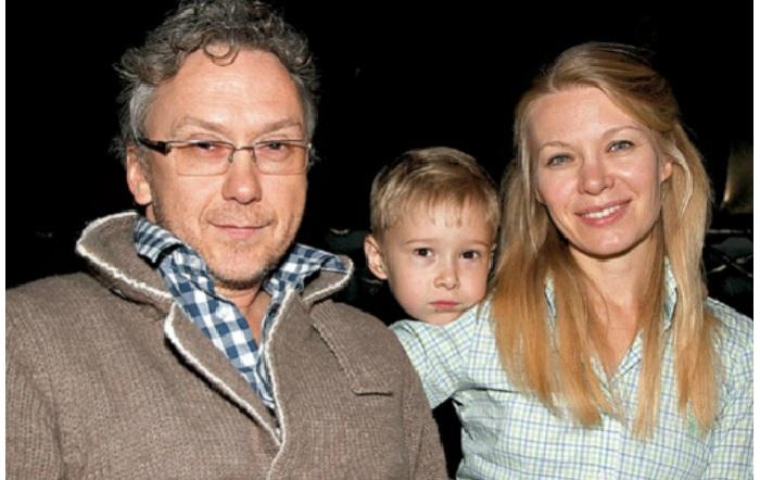 Вадим Демчог со своей супругой Вероникой и сыном Вильямом.