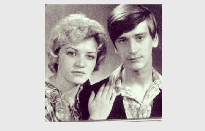Сергей с мамой.