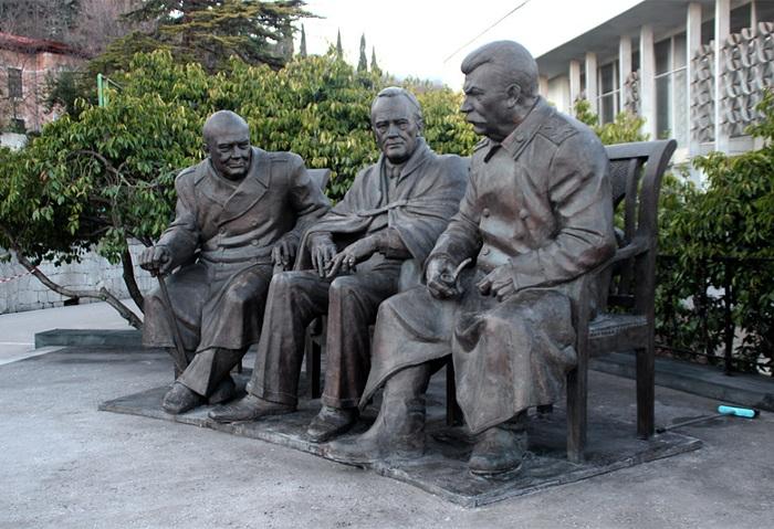 «Памятник участникам Ялтинской конференции 1945 года»
