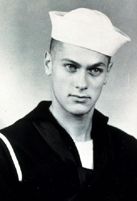 Тони Кёртис во время службы на флоте.