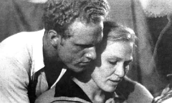 Леонид и Римма Марковы  в юности.