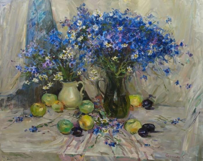 Натюрморт с васильками. Автор: Елена Сальникова.