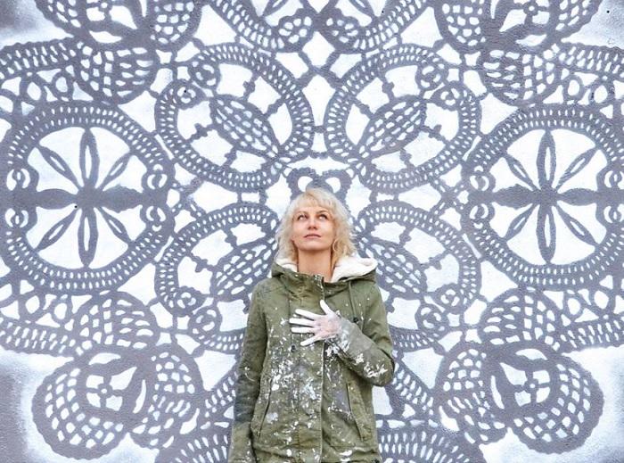 Кружевная «городская ювелирика» от польской художницы НеСпун.  | Фото: vltramarine.ru