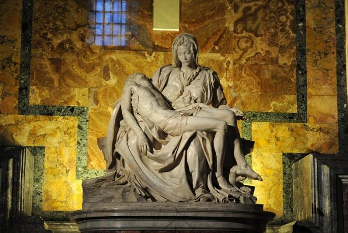 «Рietа». «Оплакивание Христа».(1499). Собор Святого Петра. Ватикан. Автор: Микеланджело Буонарроти.