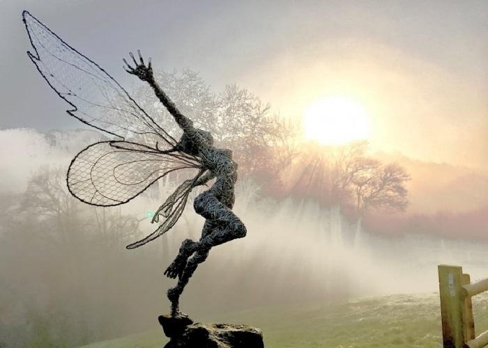 Проволочные скульптуры от Робина Уайта. | Фото: flytothesky.ru.