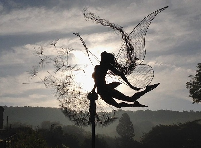 Проволочные скульптуры от Робина Уайта. | Фото: adme.ru.