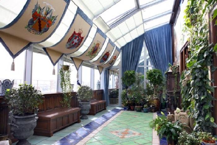 Квартира Никаса Сафронова: зимний сад с круглогодичной температурой в 22 градуса.