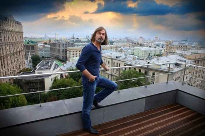 Квартира Никаса Сафронова: террасапентхауса с видом на Кремль.