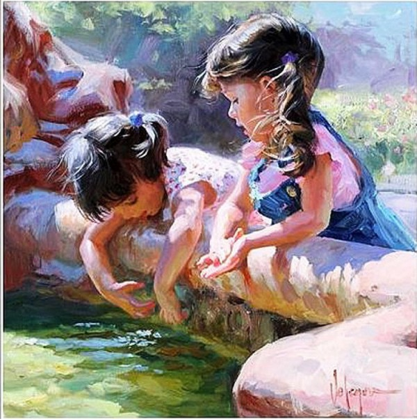 «Присев у краешка обочины на корточки, едва дыша, две девочки сосредоточенно разглядывают мураша.» Солнечная живопись от Владимира Волегова.