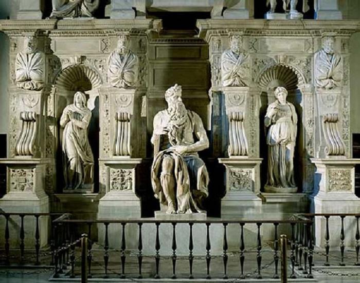 Статуя пророка Моисея, предназначавшаяся для одного из папских надгробий Ватиканского собора.
