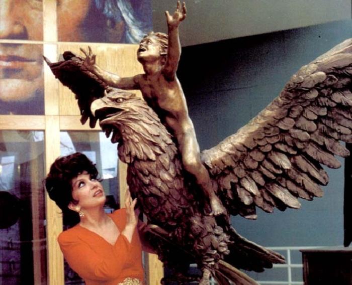 Джина Лоллобриджида и ее композиция «Жить вместе». ¦ Фото: livejournal.com