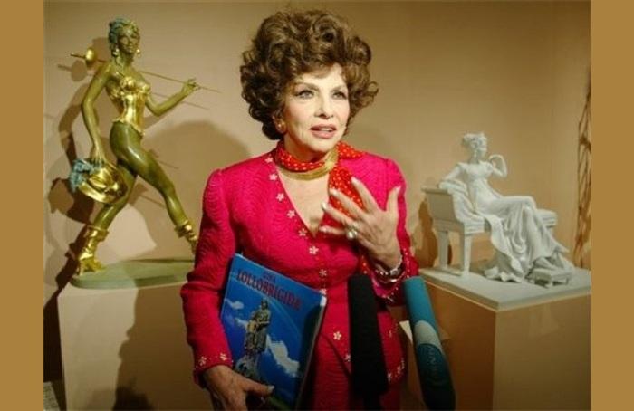 Джина Лоллобриджида и ее скульптуры. ¦  Фото: livejournal.com