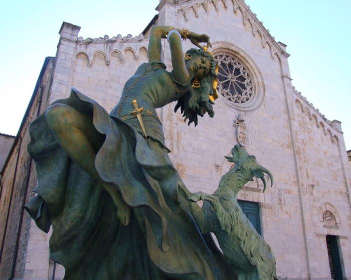Эсмеральда. Автор: Джина Лоллобриджида. Фото: livejournal.com