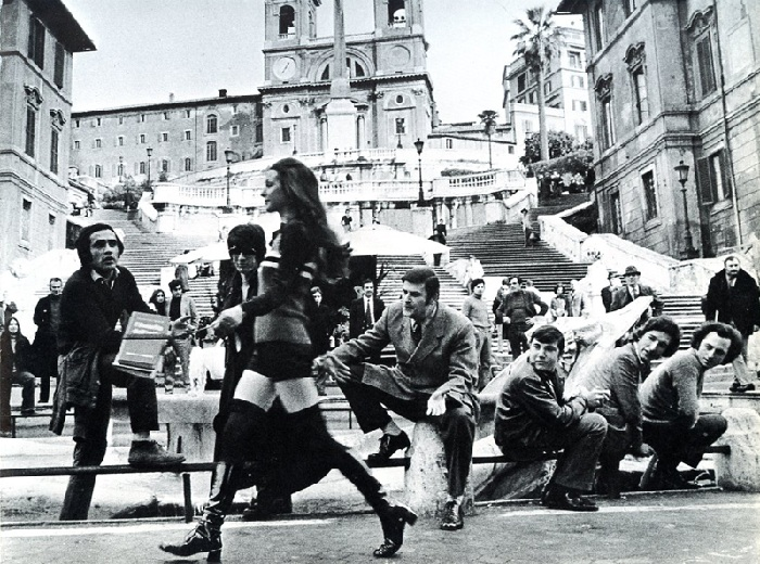 Фоторабота из серии: на улицах Рима. Автор: Джина Лоллобриджида. ¦ Фото: ginalollobrigida.com
