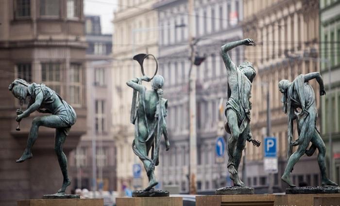 Фонтан Чешские музыканты. Автор: скульптор Анна Хроми. ¦ Фото: iloveprg.ru.