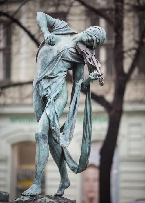 Река Дунай. Автор: скульптор Анна Хроми. ¦ Фото:  iloveprg.ru.