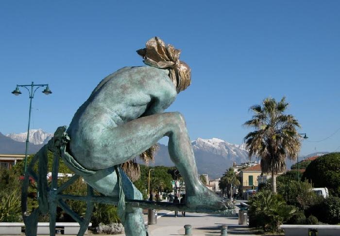Одиссей. Автор: Скульптор Анна Хроми. ¦ Фото: miramarehotel.org.