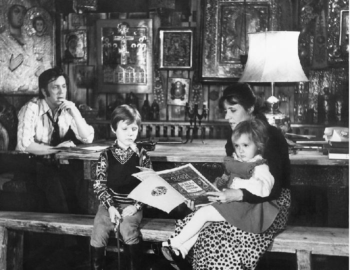 Илья и Нина со своими детьми. | Фото: glazunov.ru
