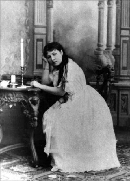 Мария Климентова - оперная дива.
