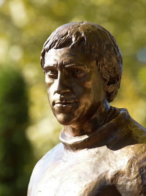 Владимир Высоцкий. г.Сочи (2011). Скульптор: Петр Хрисанов.