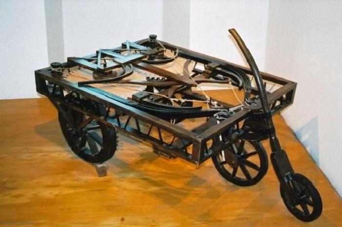 Прототип автомобиля, изготовленный по чертежам Леонардо да Винчи.