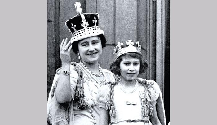Королева-мать Елизавета с дочерью