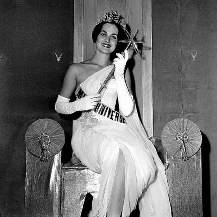 Линда Бемент, США. «Мисс Вселенная — 1960». 18 лет,  167 см