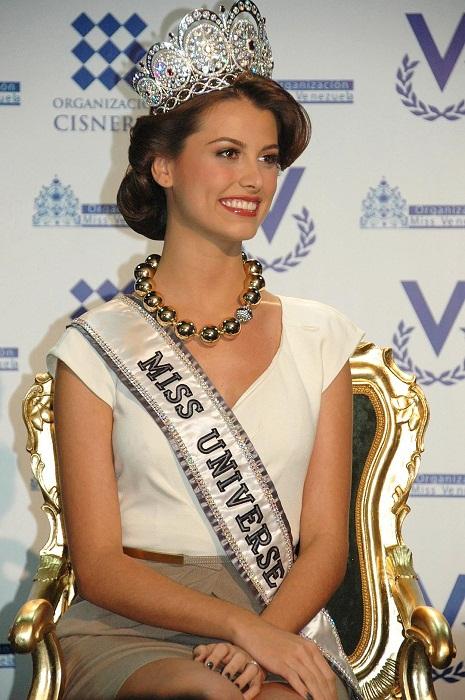 «Мисс Вселенная 2009»: Стефания Фернандес, Венесуэла, рост 178 см