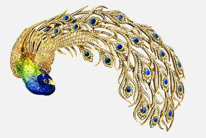Брошь-эгрет в виде павлина с золотым клювом, бриллиантовыми перьями и подвижным хвостом. 1905 год
