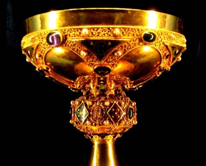 Чаша Собора Реймса, 12-й век