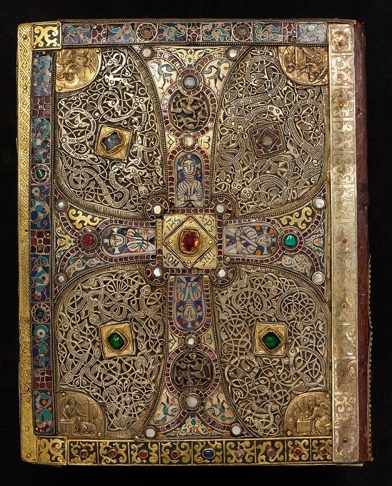 Задняя обложка евангелия из Линдау (Lindau Gospels).  Австрия 8 век