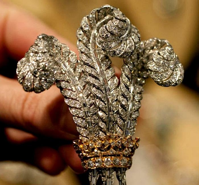 Бриллиантовая брошь принца Уэльского, 1935 г.