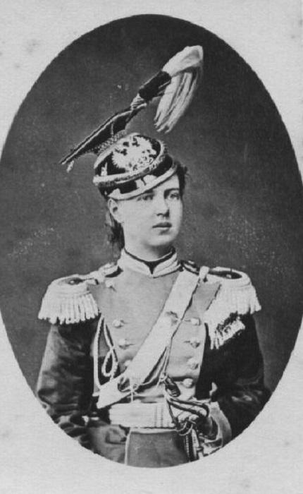 Дочь Александра II, Мария, в мундирном платье 14 Ямбургского уланского полка