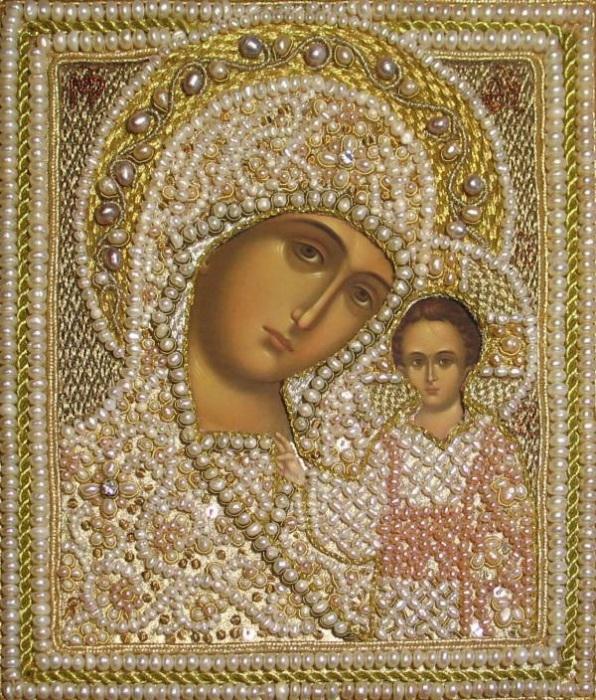 Икона Казанской Божией Матери в жемчужной ризе